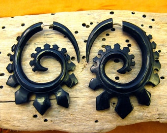 Fake Gauge Earrings Horn Earrings Black Solor  Spade Spirals Tribal Earrings - Gauges Plugs Bone Horn - FG015 H G1