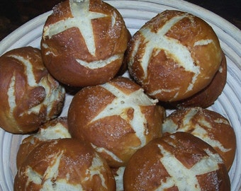 1 Bakers Dozen Original German Laugenbroetchen / Pretzel Rolls