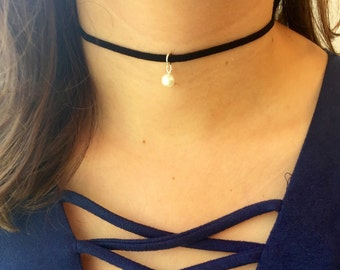 Choker with pearl black choker with pearl choker pearl velvet chokers black velvet choker with pearl choker black thin pearl necklace suede