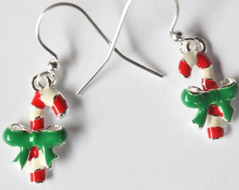 candy cane enameled holiday earrings - KNO-122