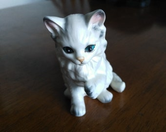 Gray Siamese Cat Statue, Figurines, Collectibles.