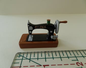 Singer Sewing Machine for 1:12th Dolls House