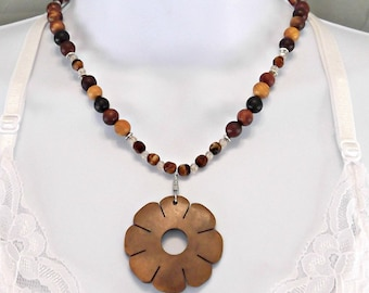 Wood Necklace, Wood  Flower Pendant Necklace, Natural, Earthy Necklace, Brown Wood, Hippie Necklace, Bohemian Necklace, Earthy Jewelry