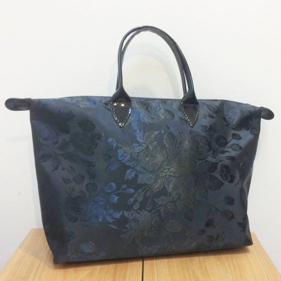 Womens Toiletry Bag - Black Rose pattern - for Travel