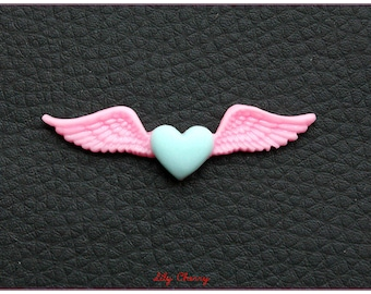 Winged heart pink and 1 x green resin cabochon