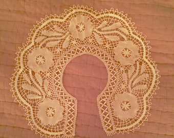 Antique Vintage Handmade Lace Collar Victorian Edwardian Flowers & Leaves Notions Costume Sewing Restorations Collectible Mixed Media