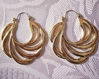 Sweeping Swirls Hoops Pierced Earrings Gold or Silver Tone Vintage Avon 1989 Open Rib Large Round Scallop Edges