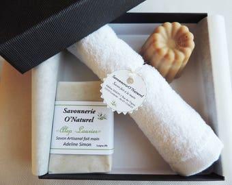 Set of 2 soaps (1 packaged SOAP + SOAP 1 carved) + 1 vintage napkin invited 30 x 30