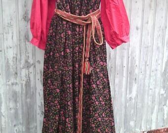 Russian woman costume: sarafan + shirt