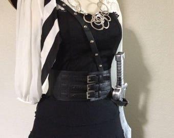 Small 6 Complete Women's Pirate Halloween Costume Including Accessories - Black and White - Small 6