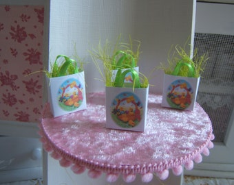 Miniature Dollhouse Easter eggs and chicks SHOPPING bag