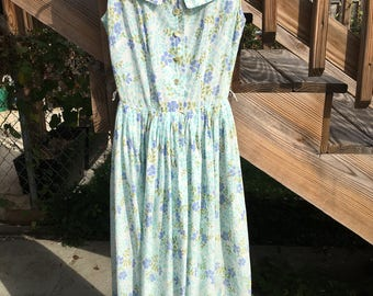 Junior Vogue 50s vintage cotton voile day dress. Pretty blue floral print. Lightweight and airy.