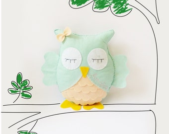 Personalized Stuffed Animal / Woodland Stuffed Animals / Felt Plush Toy / Owl Stuffed Toy / Owl Nursery Decor / Baby Shower Gift