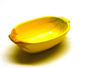 Ceramic Corn Bowl... Perfect for Holiday Table Settings