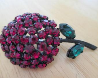 Vintage costume jewelry  /  Austia  rhinestone brooch and clip on earrings