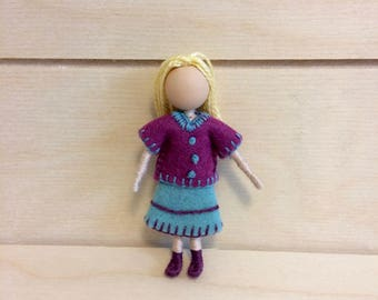 Kelly - Dollhouse doll - Miniature doll - Bendy doll - Faceless doll - Waldorf doll - Montessori toy