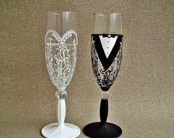 Wedding glasses for bride and groom, Black & White Wedding Glasses, Wedding Champagne Glasses, Wedding flutes Glasses black and white