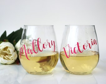 PLASTIC wine glasses, Personalized Wine Glasses, Bachelorette Party, wine glasses personalized, Bridesmaid Gift, Bridesmaid Wine Glass