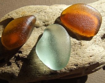 Three drops of glass, sea glass, a white two drops of amber - SG008