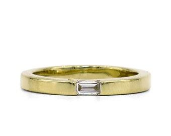 BAGUETTE DIAMOND ACCENT Band | 14 Karat Yellow Gold