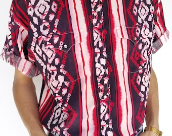 Vintage 1990s Red Abstract Printed Pearl Snap Short Sleeve Button-Up / Size (XL)