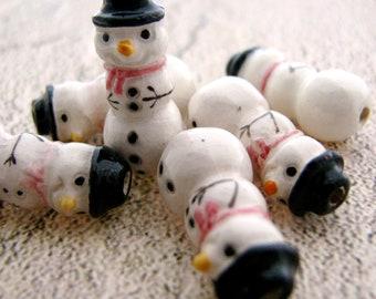10 Tiny Snowman Beads