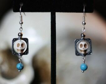 Howlite Skull earrings with bead