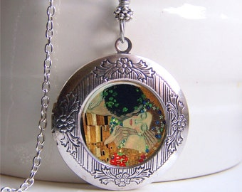 Photo Locket , Silver Locket, Klimt The Kiss, The Kiss Necklace, Locket Necklace