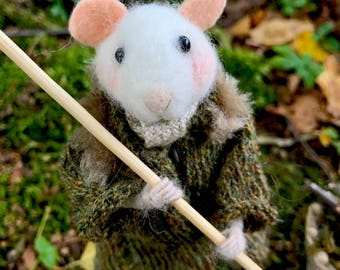 Needle Felted Mouse: Ramiro, the gardener