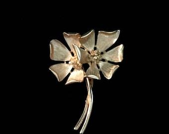 60's Double Flower Brooch             GJ2563