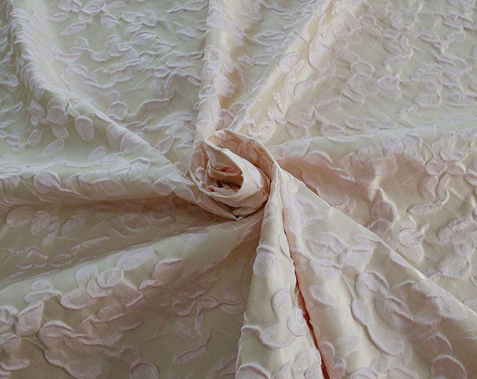 990101-140 JACQUARD-Co 63%, Se 31, Pc 6, 140 cm wide, manufactured in Italy, dry cleaning, weight 238 gr, price 1 meter: 95.17 Euros