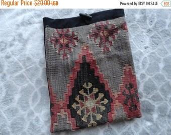 SALE Kilim Tapestry Bag - Carpet Purse - Catch all - Handmade