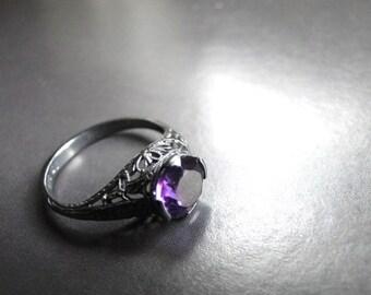 SALE / Vintage Amethyst Birthstone Ring / Amethyst Gemstone Ring Vintage Jewelry / Sterling Silver Filigree Ring, Aries Birthstone Ring