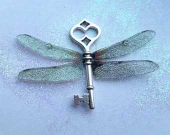 Magical Dragonfly Wing Pendant (2)