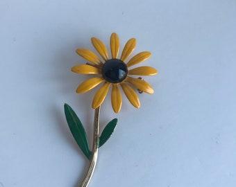 Vintage Yellow Daisy Flower Pin Brooch Daisy Flower Summer Flower Brooch
