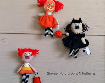 Halloween Raggedy Annie Miniature Handmade Cloth Dolls Set of Three  Cat Candy Corn  Pumpkin Ann