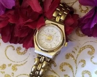 Ladies TECUMSEH Wristwatch, Gold Tone Bracelet Link Bracelet Style, New Battery Installed, Analog, Ladies Watch, Gold Tone, Good Condition