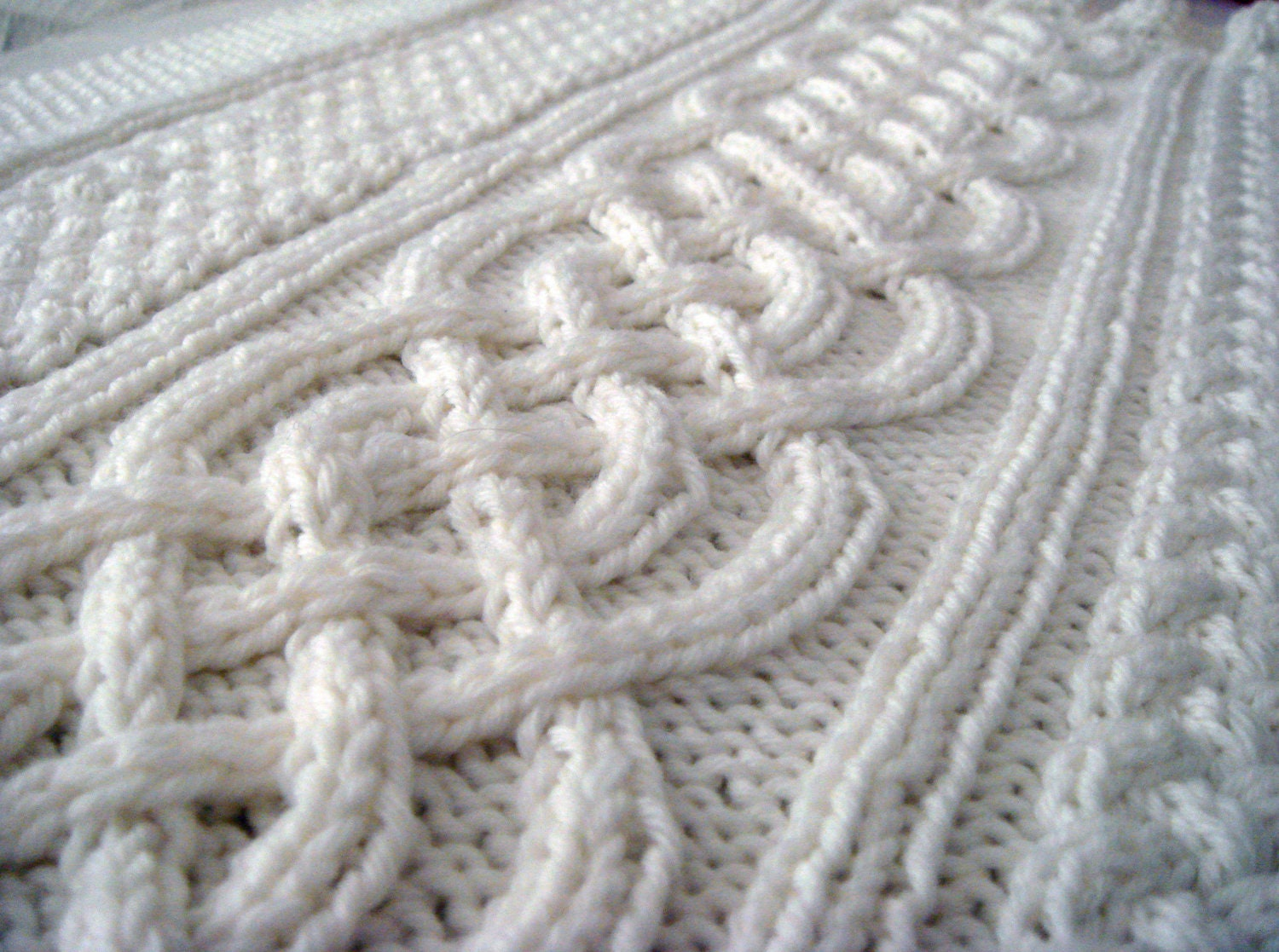 Celtic blanket knitting pattern celtic cable design Celtic Aran ...