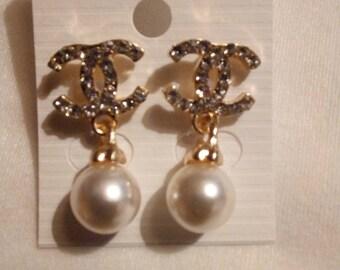 Beautiful crystal and pearl drop earrings