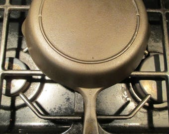 Vintage 3 notch Lodge #5 Cast Iron Skillet with Heat Ring