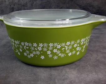 Vintage Spring Blossom Green 2, Pyrex Casserole Dish - 2-1/2 Quart - with Lid, Crazy Daisy475