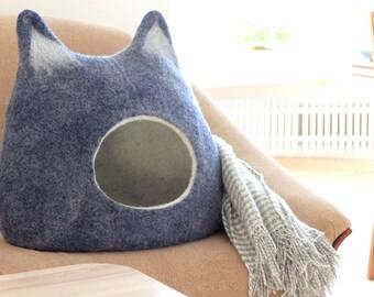 Cat house, cat bed, cat cave, dark blue cat bed, wool cat bed, felted cat cave, modern cat bed, pet bed, pet house, cat sleeping place felt
