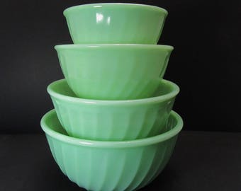 Vintage, Swirl Fire-King Bowls, Jadeite Mixing Bowls, set of 4 bowls, nesting bowls, green mixing bowls, Jadeite nesting bowls