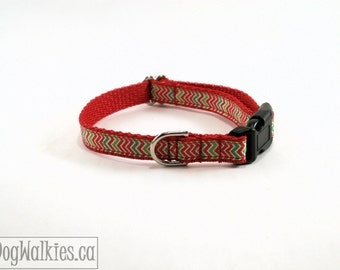 """Red & Green Chevrons Christmas Dog Collar - 1/2"""" (13mm)Wide - Zig Zag - Choice of style and size - Thin Martingale Collars or Quick Release"""