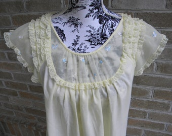 Vintage Yellow Lightweight Gown with Lace Trim by Shadowline Size M