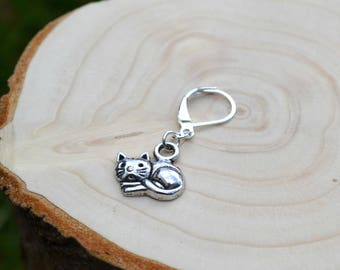 Cat stitch marker, crochet marker, knitting marker, knitting accessories, crochet accessories, gifts for her, gifts for knitters, crocheting