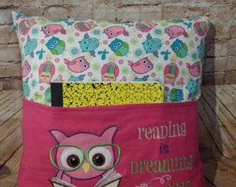 Owl reading pocket pillow