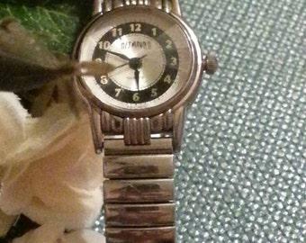 Gitano Ladies Wristwatch, Stretch Band, Battery Operated, Silver Lakes Wristwatch, New Battery, Gitano Wristwatch