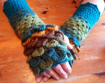 Dragon Scale Handwarmers, Fingerless Gloves, Womens Gloves, Ladies Gloves, Handmade Gloves, Festival Gloves