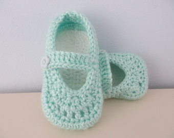 Handmade Crochet Toddler Girl Slippers Non Slip 12 - 24 months Button Closure Mint and White 4.5 inch / 11.5 cm sole Nursery House Slippers